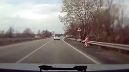 Civil autókkal csaptak le a szabályszegőkre