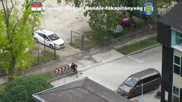 Bringával menekült a drogos a rendőrautó elől