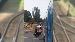 Autóval ütközött az expresszvonat