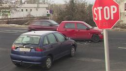 Összecsattant két autó Kaposváron