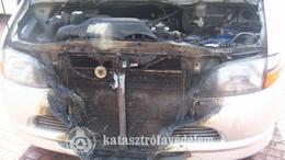 Az autó is megperzselődött a tűzben