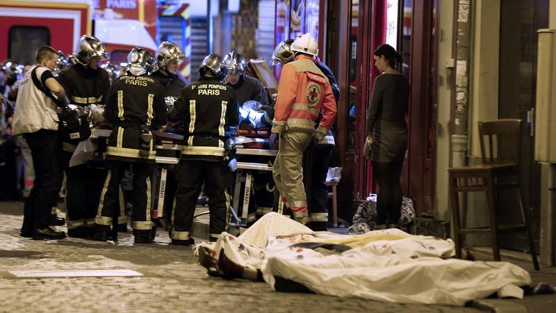 Eddig 128 ember halt meg a pénteki terrortámadásban.