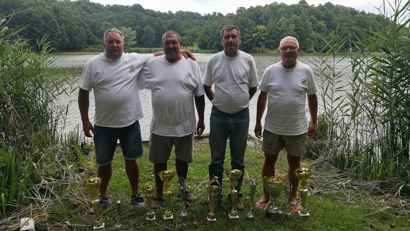 A csapatverseny győztesei: Szabó János, Horváth Tamás, Horváth Tibor, Bank József (balról jobbra)