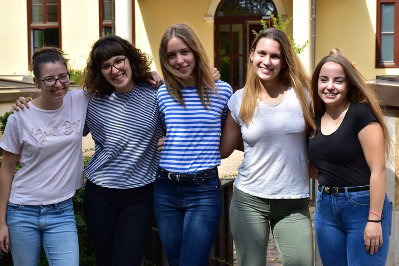 Középiskolás csapat: Rohán Zsuzsanna, Ütő Anna, Fritz Eszter, Gyurcsik Petra, Pandur Petra.