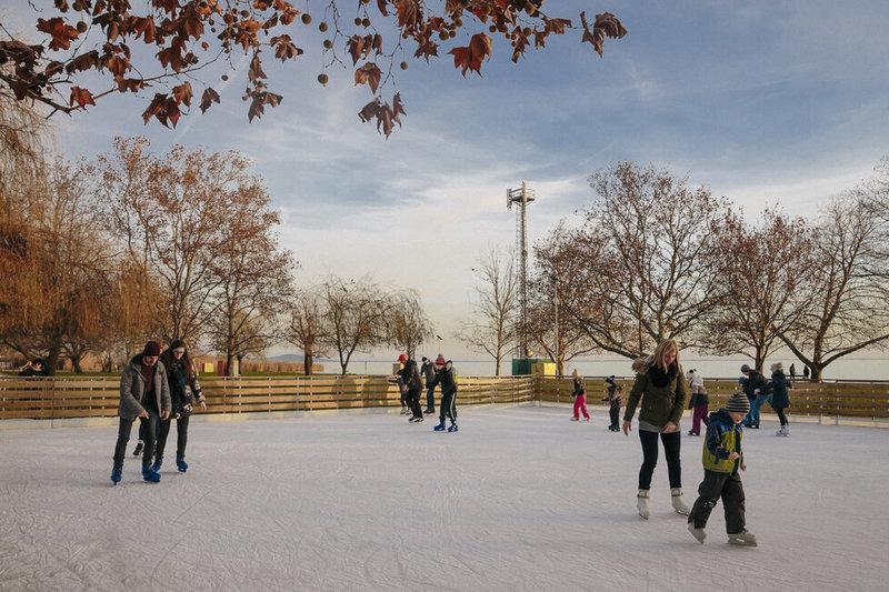 Keszthelyi jégpálya (Fotó: Welovebalaton.hu)