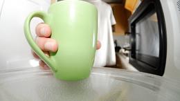 Baktériumfészekké alakulhat a mikrohullámú sütő a hőségben