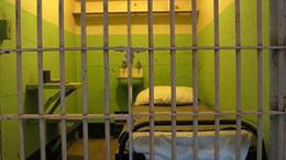 Ha kijövök a börtönből, megöllek!