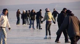 Siófokon csütörtöktől szabad korizni a Balaton jegén
