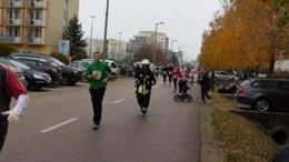 Félmaraton teljes menetfelszerelésben - Holán Krisztián tűzoltó is a futás szerelmese