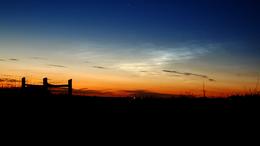 Újabb világító felhőt fotózott egyik olvasónk: ezúttal Kaposújlakon ragyogott az éjjeli égbolt!