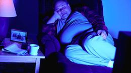 Ártalmas lehet, ha a tévé mellett alszunk
