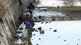 Szemétszigetek a Sió-csatornában
