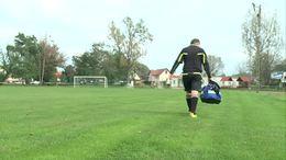 A játékvezető mentette meg a focista életét