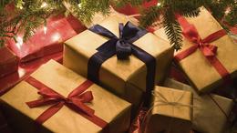 Ruhák, kozmetikumok, játékok: közeleg a karácsony