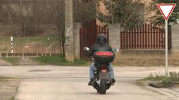 Ittasan, jogsi nélkül motorozott