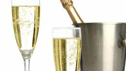 15 millió palack pezsgő fogy az ünnepekben