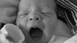 Alvászavart, fáradtságot okozhat az óraátállítás