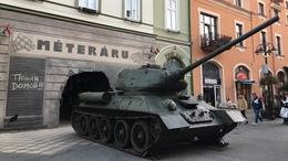 Imádja az internet népe a T-34-est