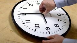 Vasárnap egy órával kevesebbet alszunk