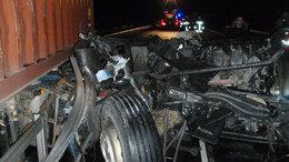 Teljes útzár: összeütközött két kamion az M7-esen - képek