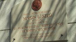 Emléktáblát kapott a leventéket mentő hős