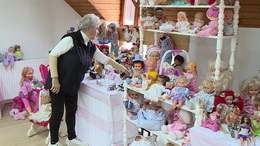 Több mint 300 babát gyűjtött össze Lidi néni