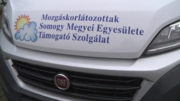 Új kisbuszt kaptak a somogyi mozgáskorlátozottak
