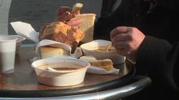 Ételosztás a belvárosban
