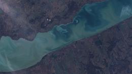 Így néz ki az űrből a felkavarodott Balaton