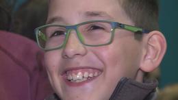 100 szemüveg, 100 szempáron