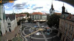 Valami készül a Kossuth téren