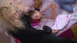 Összefogtak a bűvészek egy nagybajomi kislány megsegítéséért