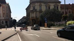 Mától nem lehet behajtani a Széchenyi tér felől a Fő utcába!