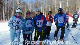 Sílécet és snowboardot ragadtak a lánglovagok