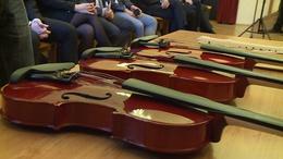 Új hangszereket kapott a zeneiskola