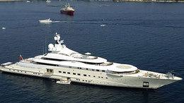 A világ legnagyobb luxusjachtjáról követi a futball vb-t Abramovics