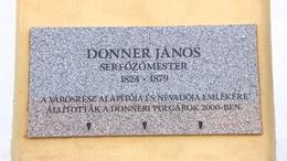 Emléktábla a Donnerben