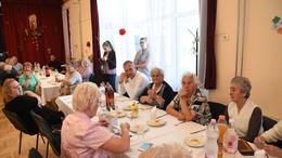 Összegyűltek a nyugdíjasok