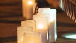 Gyertyagyújtással emlékeztek Kaposváron a nemzeti gyásznapon