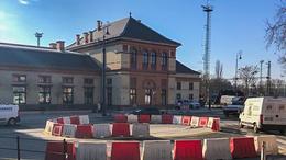 Elkészült az ideiglenes körforgalom a vasútállomás előtt