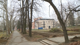 Nyár elejére teljesen megújul a kaposvári színházpark