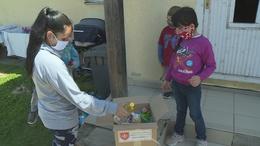 50 család részére osztottak adományokat Kadarkúton