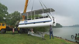 Vízre tették a desedai kishajót