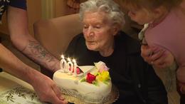 Századik születésnapján köszöntötték Ilona nénit!