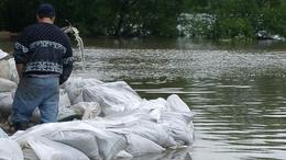 Több mint 1300 kilométeren van árvízvédelmi készültség