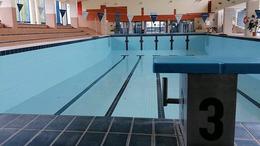Rendbe rakják a 25 méteres medencét
