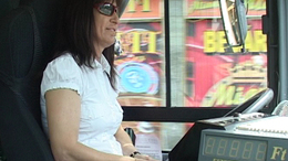 Nyomja a gázpedált! Judit a női buszsofőr