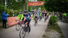 Kétezer bringás a Tour de Balatonon