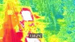 Ez a kemény: hőségriadó idején aszfaltozni az autópályán