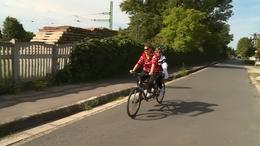 Látássérültek tekerték körbe a Balatont